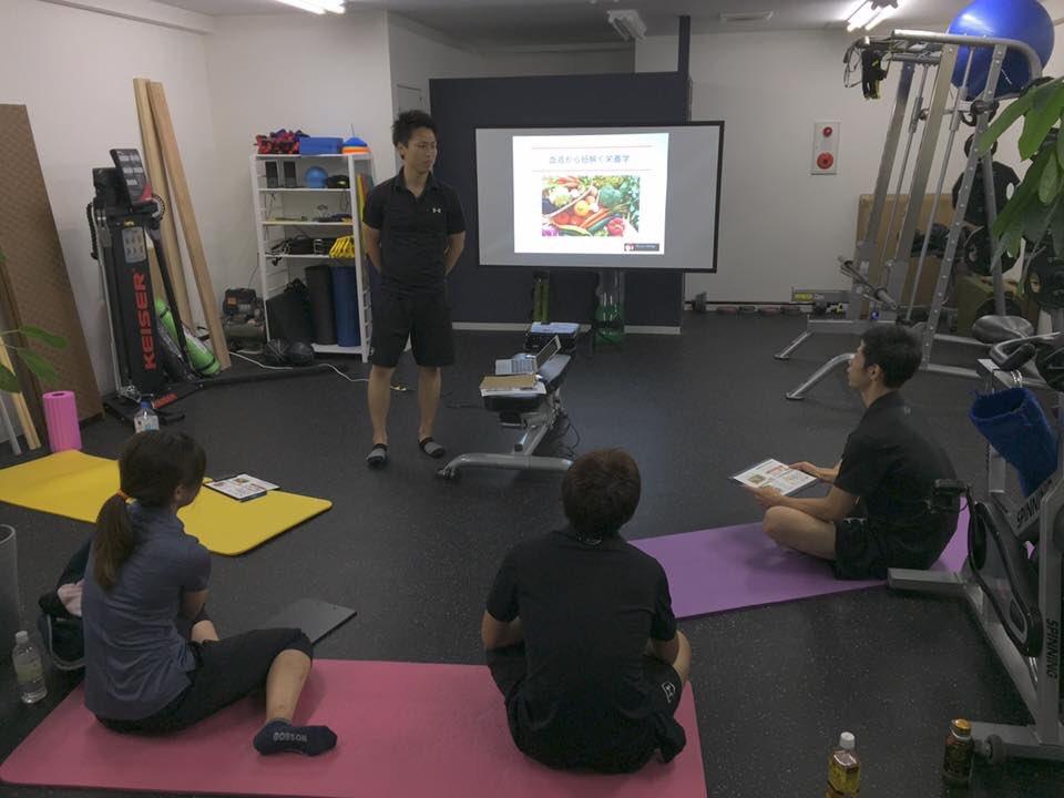 福岡 栄養学セミナーの風景